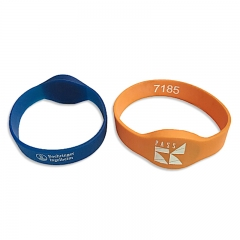 Watch-Like Silicone Wristband in Colorful with Embosses Logo